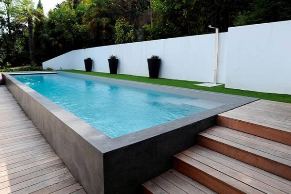 Comment faire une piscine en béton hors sol?