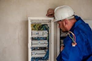 Installation électrique : les vérifications indispensables avant un achat immobilier